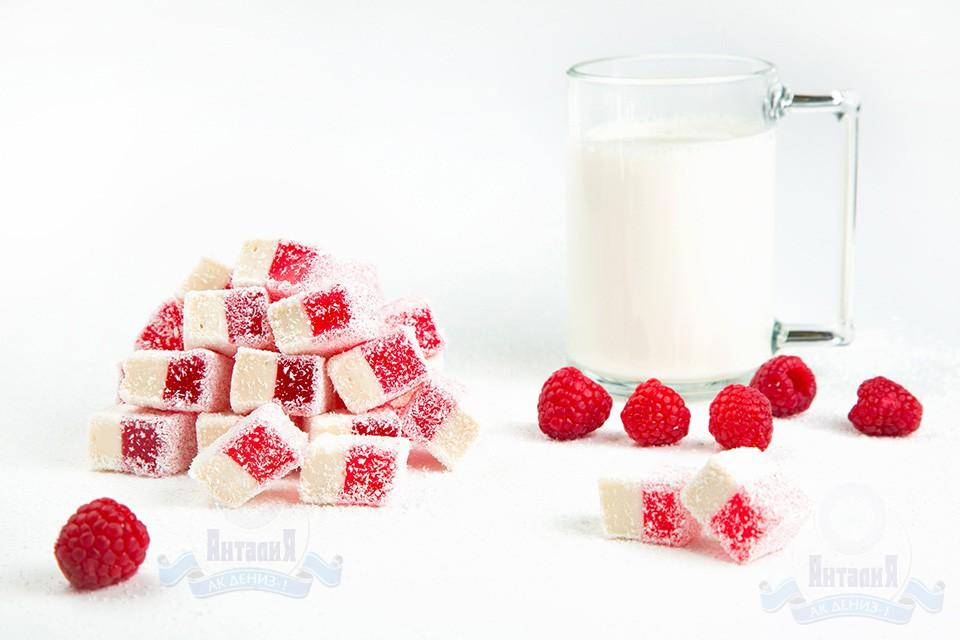 Лукум нуга молочная с малиной